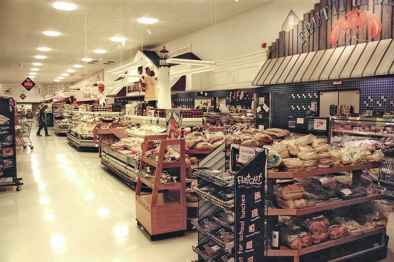 Hiller's market interior bakery area